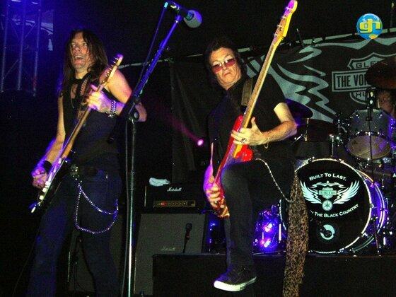 Live in Islington (London), UK 2010