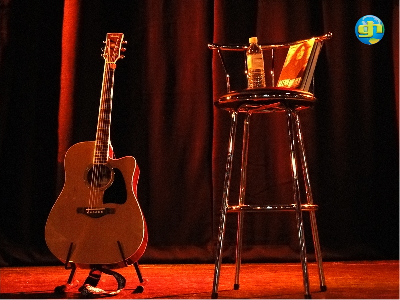 2011-11-14 Acoustic Show in London - The setup