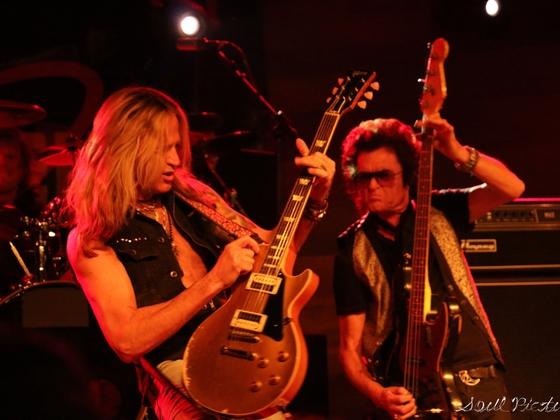 Yeah! Rock!