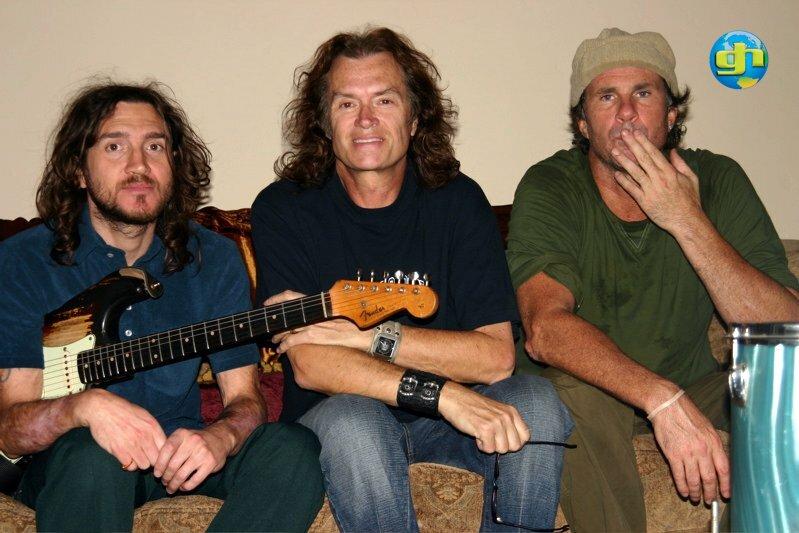 John Frusciante, GLENN and Chad Smith